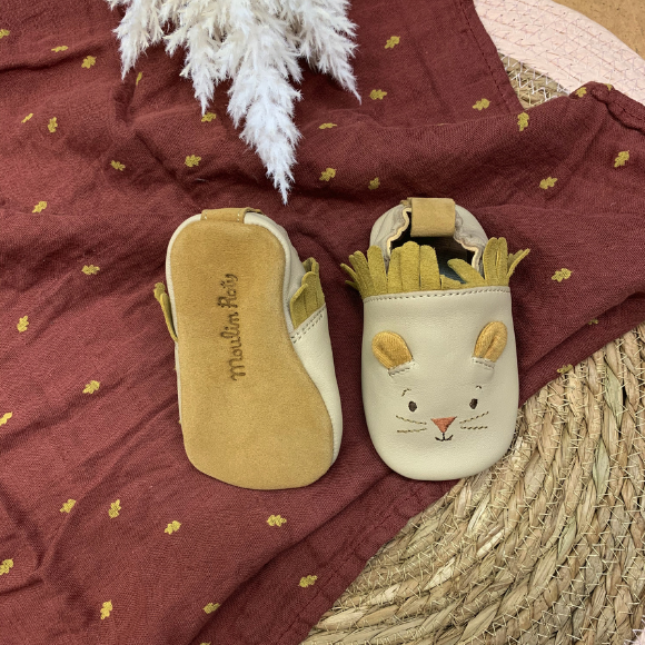 Les chaussons en cuir